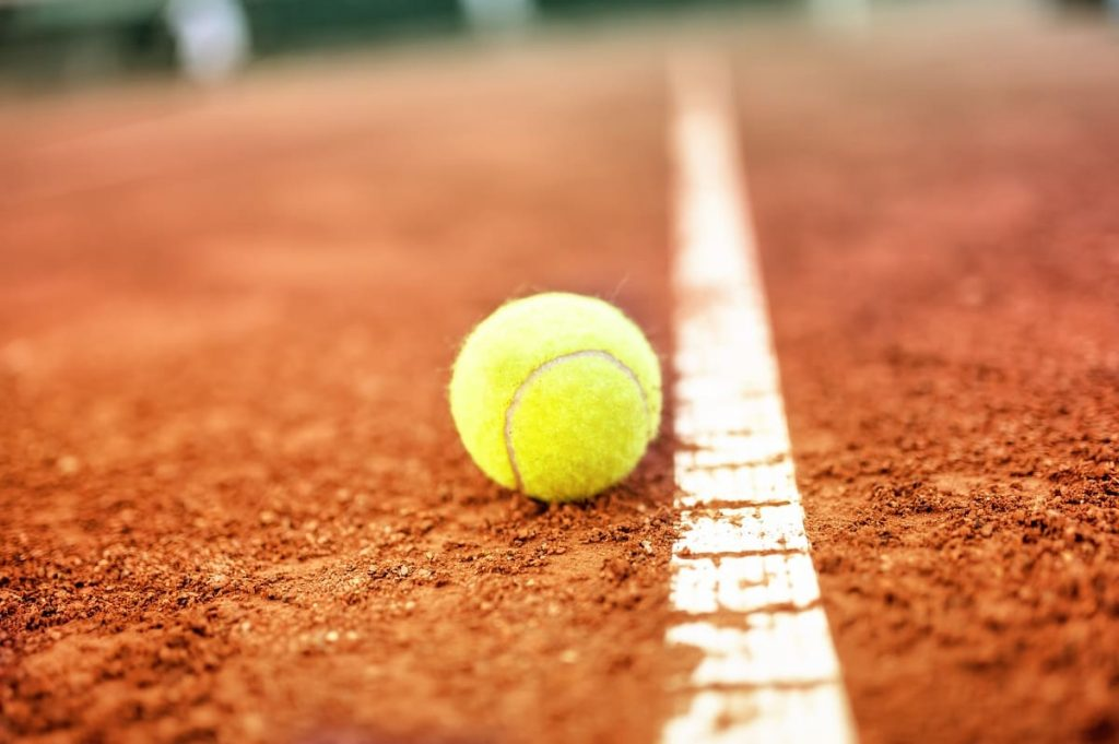 How to Fill Cracks on a Tennis Court